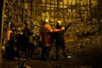 Спецслужбы работают на месте трагедии в кемеровском торговом центре.