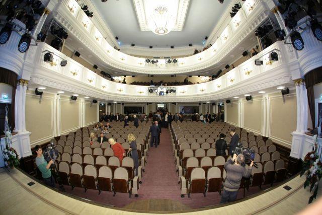 Зрителям расскажут о закулисной жизни театра.
