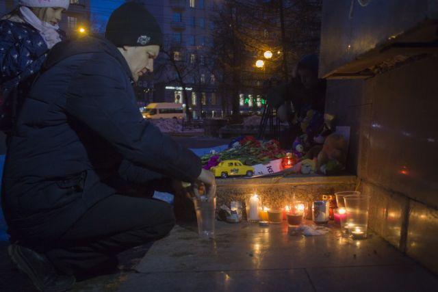 26 марта челябинцы зажгли свечи в память о погибших в Кемерове.