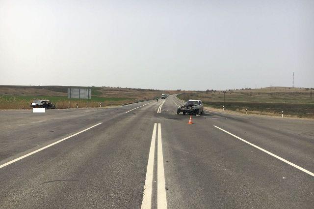 НаСтаврополье при столкновении автобуса сзерновозом умер человек