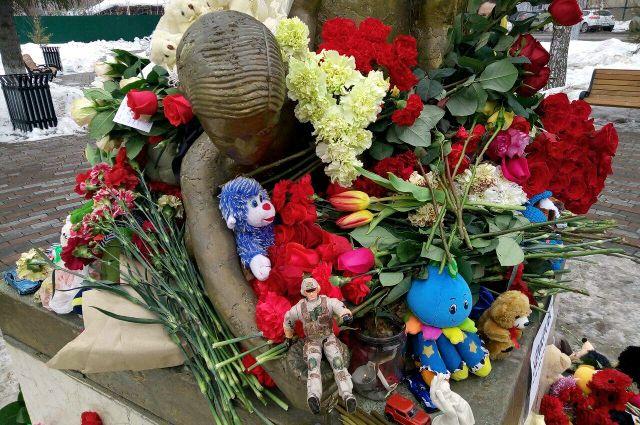 #Кемеровомыстобой: в Тюмени появился стихийный мемориал в память о погибших