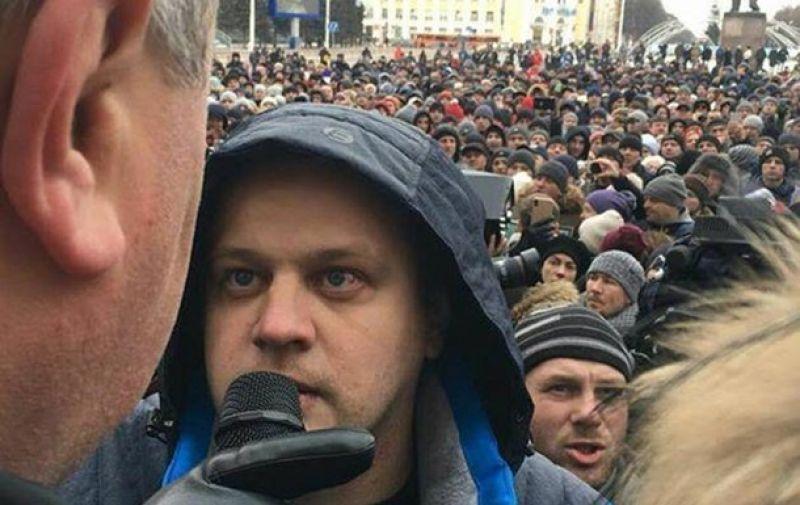 Так, губернатор области - Тулеев, по словам людей,