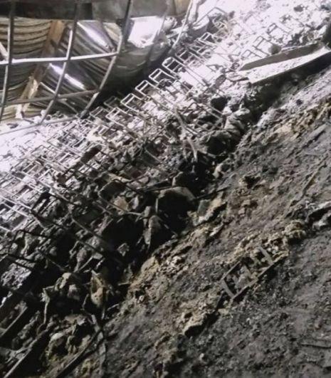 Первые фотографии из сгоревшего кинозала. К слову, днем во вторник, 27 марта, в одном из эскалаторов ТЦ вновь началось возгорание, которое удалось погасить.