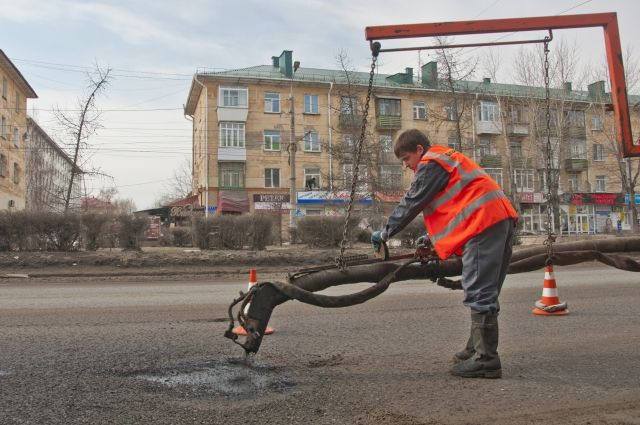 Дороги планируют начать ремонтировать в июне.