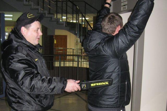 Полного досмотра вметро Петербурга небудет: новые правила