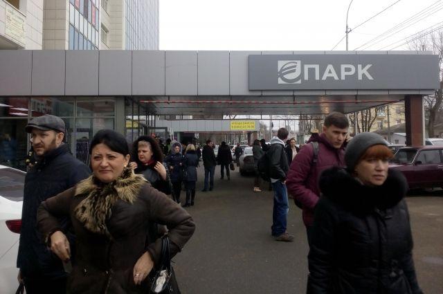 Вторговых центрах Казани проводится эвакуация