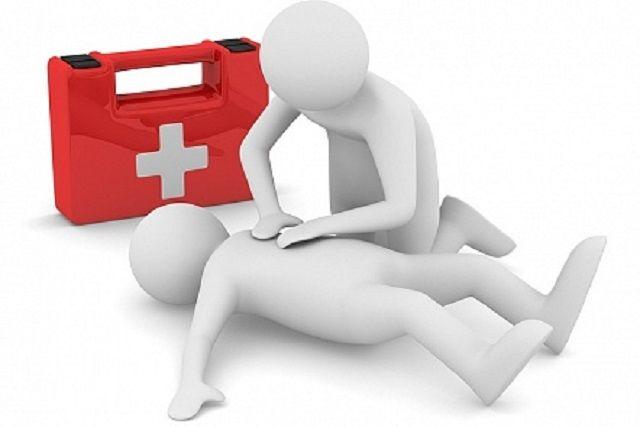 В 80% случаев летальный исход при инфарктах и инсультах происходит вне медицинских организаций. У специалистов есть понятие «золотого часа» – это время, в течение которого необходимо оказать экстренную помощь и появляется реальный шанс спасти жизнь человека.