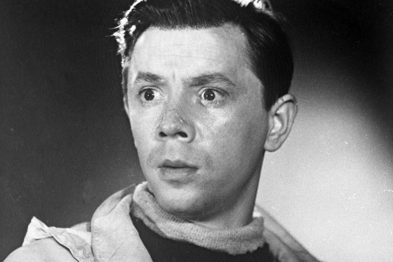 Олег Анофриев в роли Коки Крушинского в фильме «Путешествие в молодость». 1957 год.