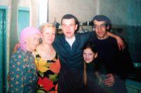 Алексей Полушкин с родителями, сестрой и бабушкой. Бабушка не дождалась, умерла в 2012 году.