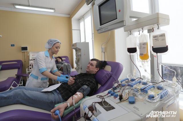 Андрей Огнев сдавал кровь более ста раз. Всего в регионе - около 2700 почётных доноров.