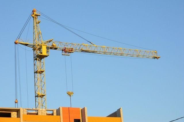 Сегодня в округе уже строится более двухсот тысяч квадратных метров нового жилья.