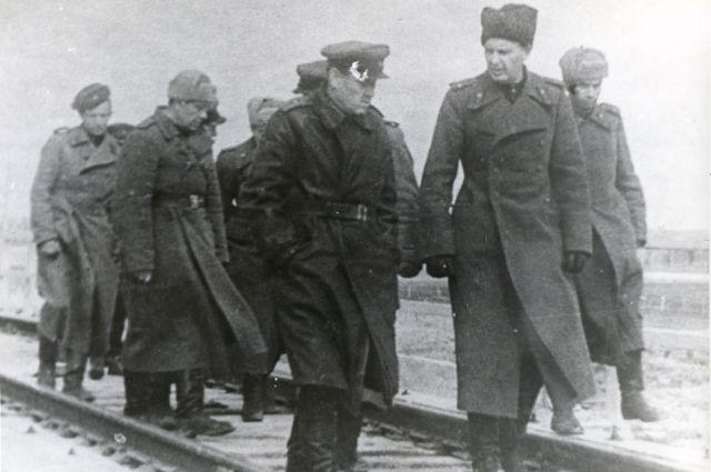 Метростроевцы защищали Ленинград от врага.