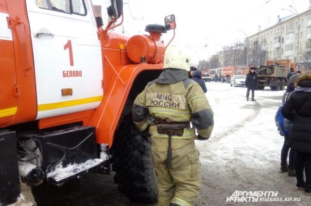 МЧС: охранников и администрации ТЦ «Зимняя Вишня» не было на месте.