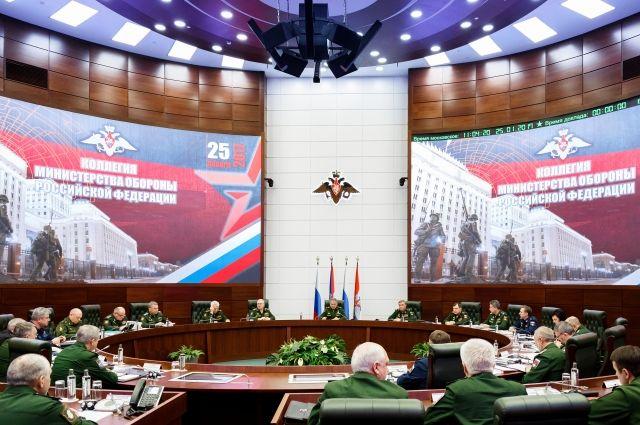 Минобороны РФ: 23 иностранных самолета провели разведку у границ России