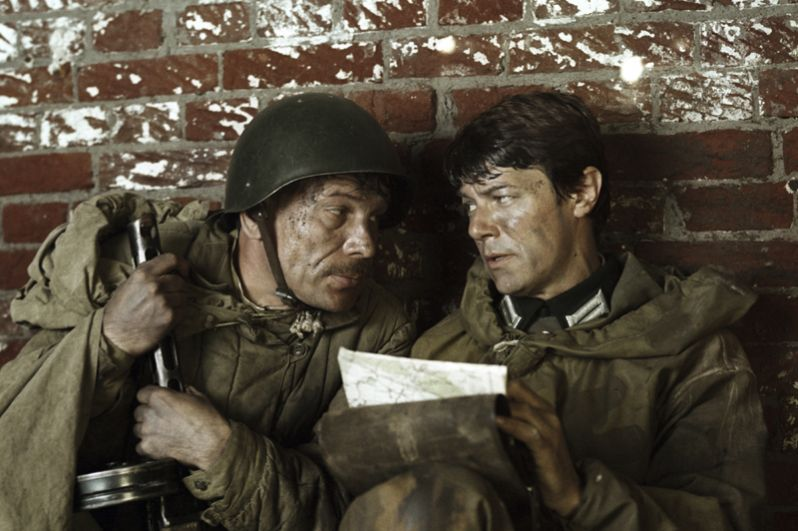 В роли Александра Михайловича Спирина в фильме «Шёл четвёртый год войны». 1983 год.
