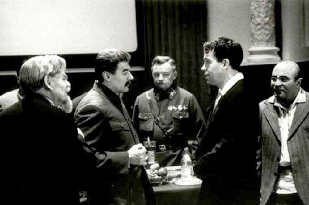 Александр Збруев в картине «Ближний круг», где он исполнил роль Сталина. 1991 год.