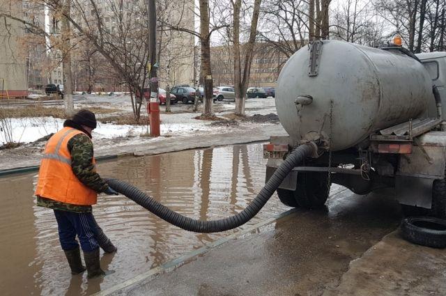 Из-за оттепели под водой оказались десятки улиц Нижнего Новгорода.