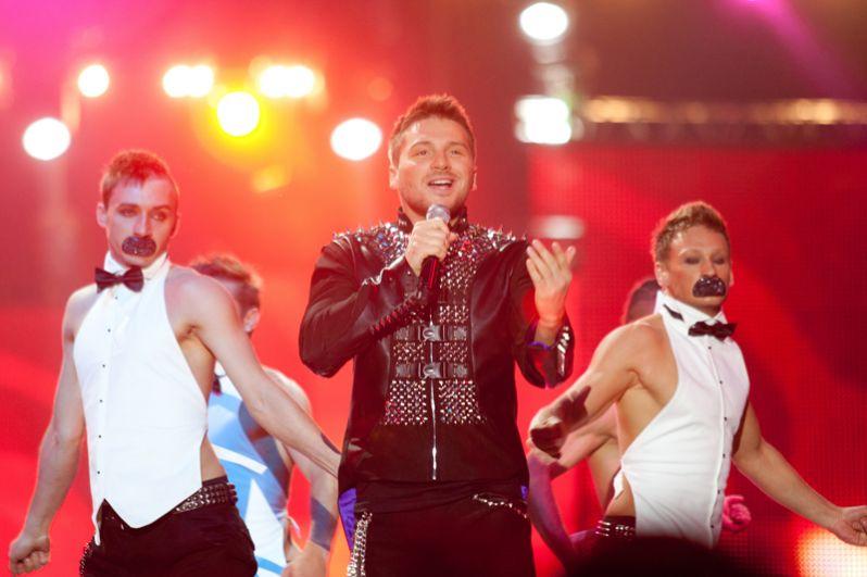 Сергей Лазарев выступает на Big Love Show 2011 на стадионе «Олимпийский». 2011 год.