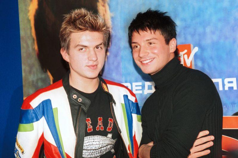 Пресс-конференция группы Smash в ГЦКЗ «Россия». Влад Топалов и Сергей Лазарев. 2003 год.