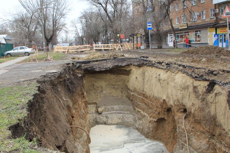 30 марта 2018 года произошел обвал грунта и обрушение сводов железобетонного трубопровода диаметром 1500 мм, расположенного по адресу: ул. С.Шило/ ул. Ватутина. В результате чего произошел подпор самотёчного коллектора.