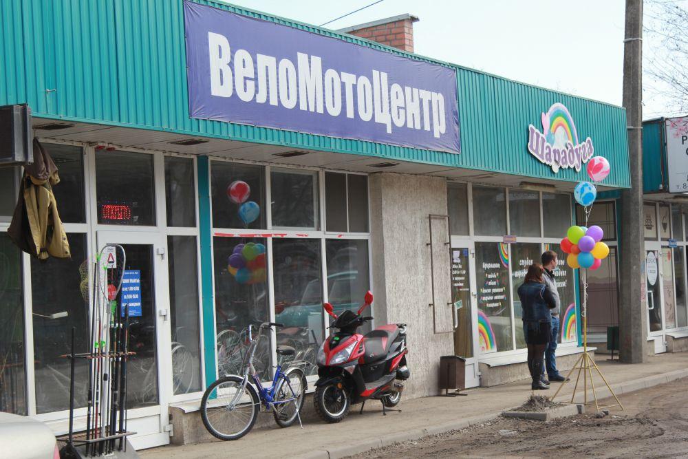 На улице Транспортной десятки предпринимателей магазинчиков остались без клиентов, а следовательно терпят большие убытки.
