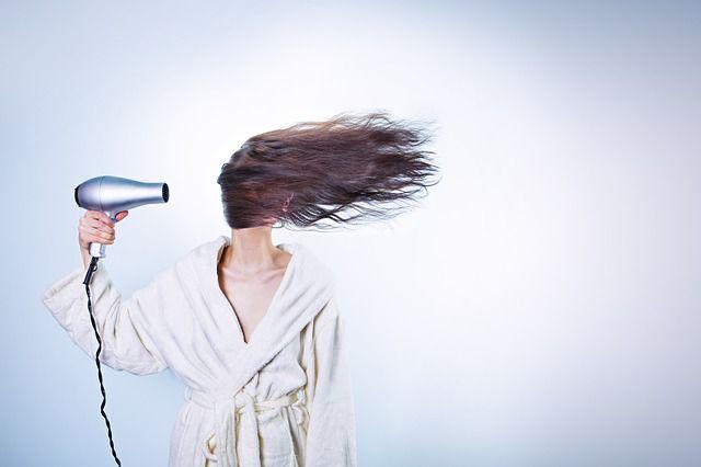Поедание волос – редкое заболевание, именуемое трихобезоаром.