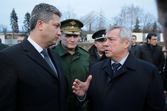 Замминистра обороны РФ идонской губернатор осмотрели микрорайон Суворовский Ростова