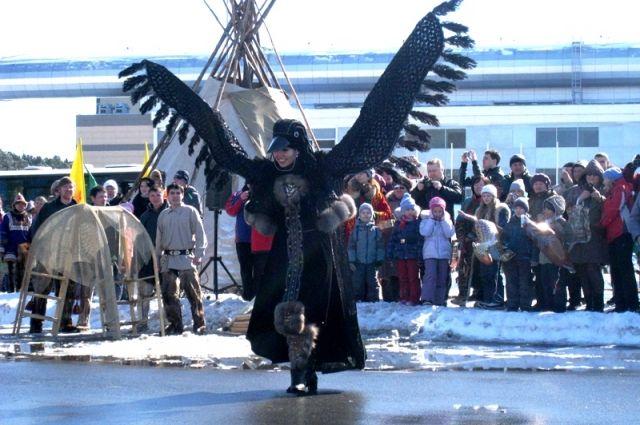 Ворона приносит людям вести о приходе весны.