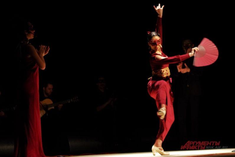 Джульетта своим горячим танцем показывает, что готова к переменам в жизни, а ее душа требует любви.