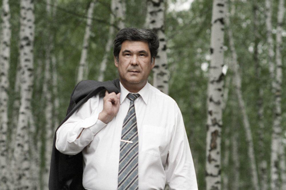 Глава администрации Кемеровской области Аман Тулеев. 1997 год.