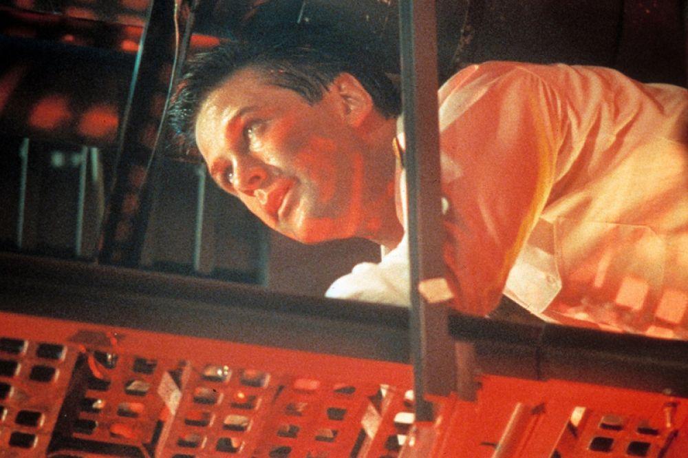 «Охота за «Красным октябрем» (1990) — аналитик ЦРУ Джек Райан.