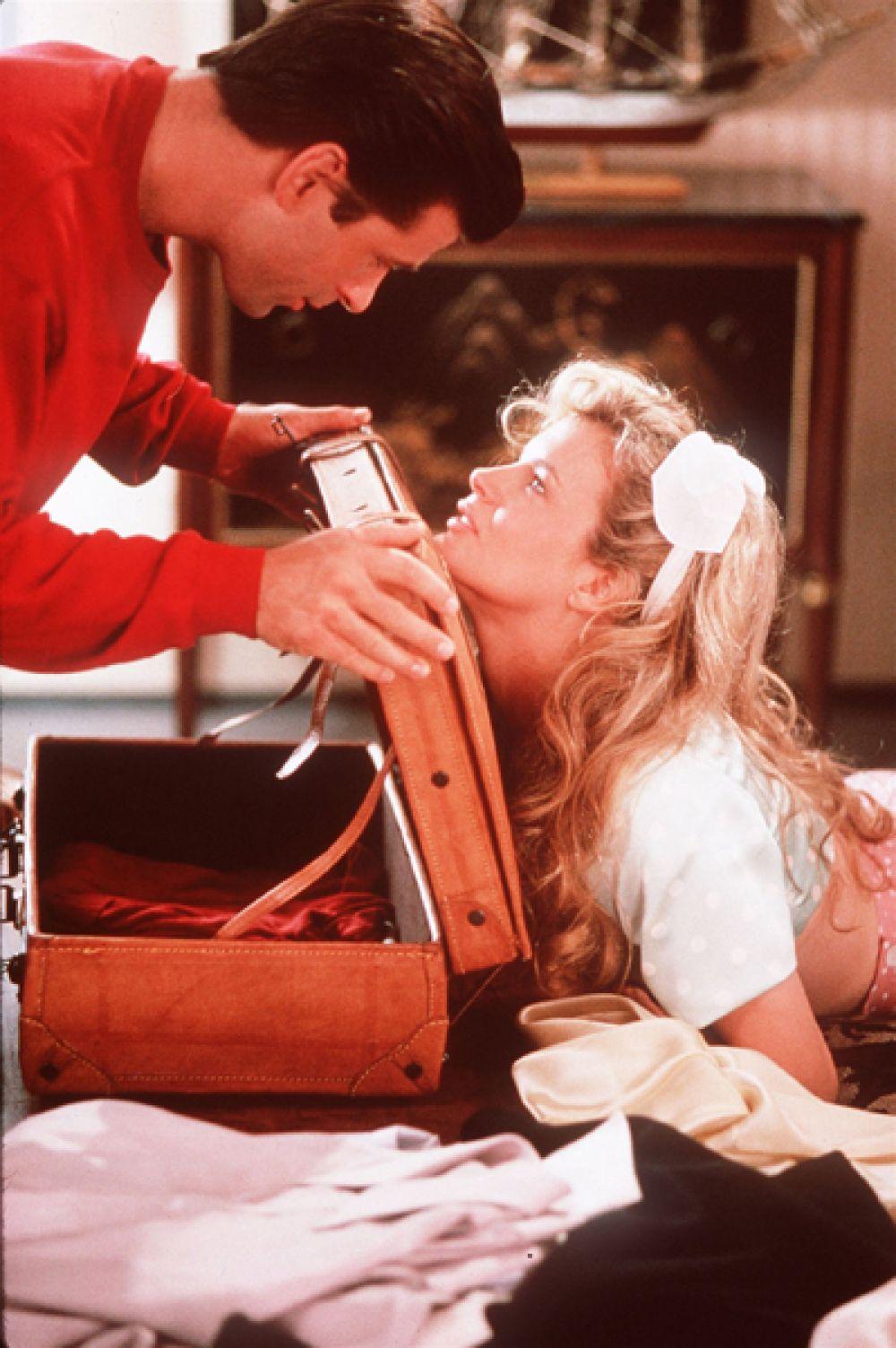«Привычка жениться» (1991) — миллионер Чарли Пирл.