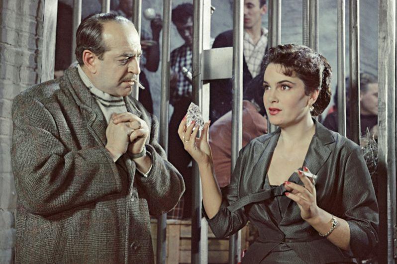«Русский сувенир» (1960) — итальянская графиня Мария-Пандора (Барбара) Монтези.