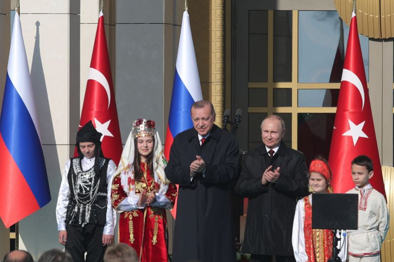 Церемония запуска строительства первого энергоблока атомной электростанции «Аккую» у президентского дворца в Анкаре.