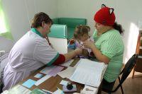 Особое внимание в пострадавших районах уделяют детям и беременным женщинам.