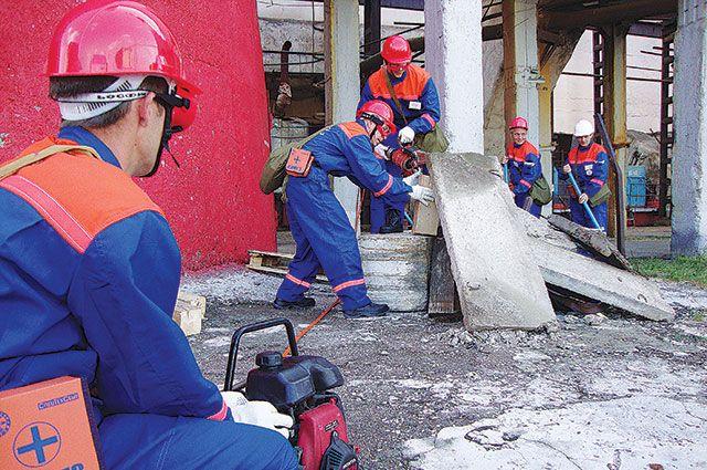 Санитарный пост Уфимской ТЭЦ-2 отрабатывает действия по спасению людей.