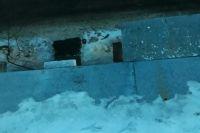 В управляющей компании утверждают, что крышу от снега почистили в срок.