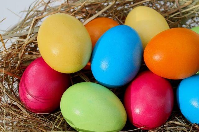 Мраморные, кофейные, с узором. 8 способов необычно покрасить яйца ...