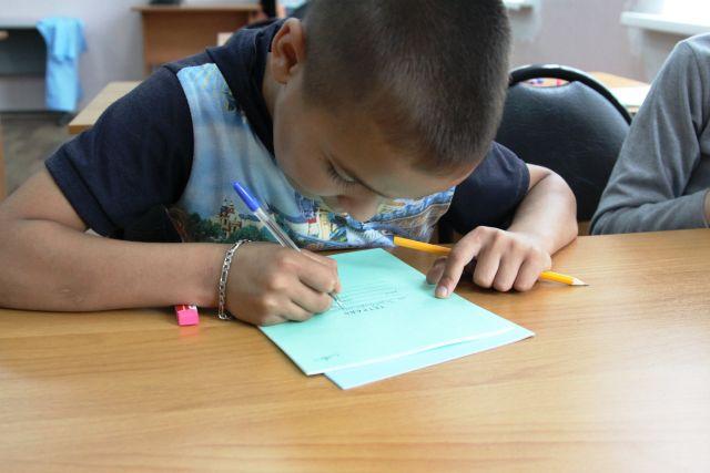 Поправляя здоровье, можно научиться писать, читать и ЕГЭ сдать.