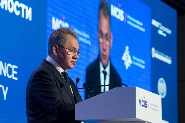 Действия стран НАТО обнулили диалог по безопасности в Европе - Шойгу