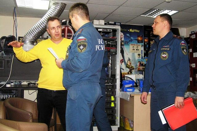 После пожара в Кемерово по стране покатились проверки.