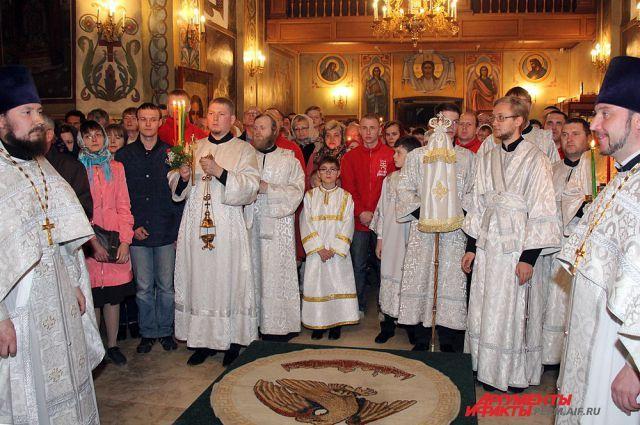 Православные верующие в воскресенье отметят один из главных религиозных праздников – Пасху.
