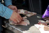 В Калининграде трех приставов судят за взятки и мошенничество.