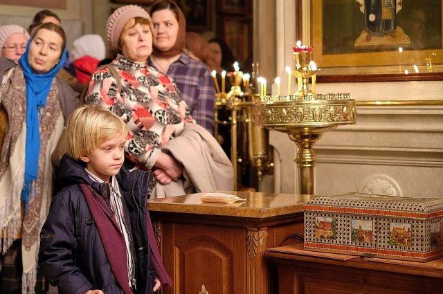 Вера в Бога должна проявляться в поступках и делах, считает священник.