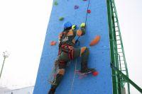 Во время практических заданий участники демонстрировали разные умения, включая альпинистские.