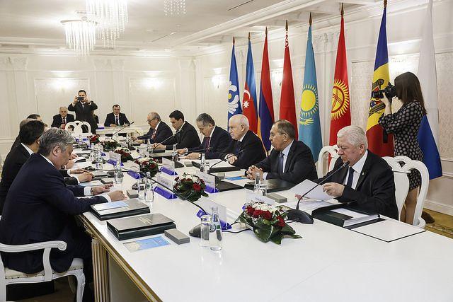Лавров: Украина значительно теряет отигнорирования возможностей СНГ