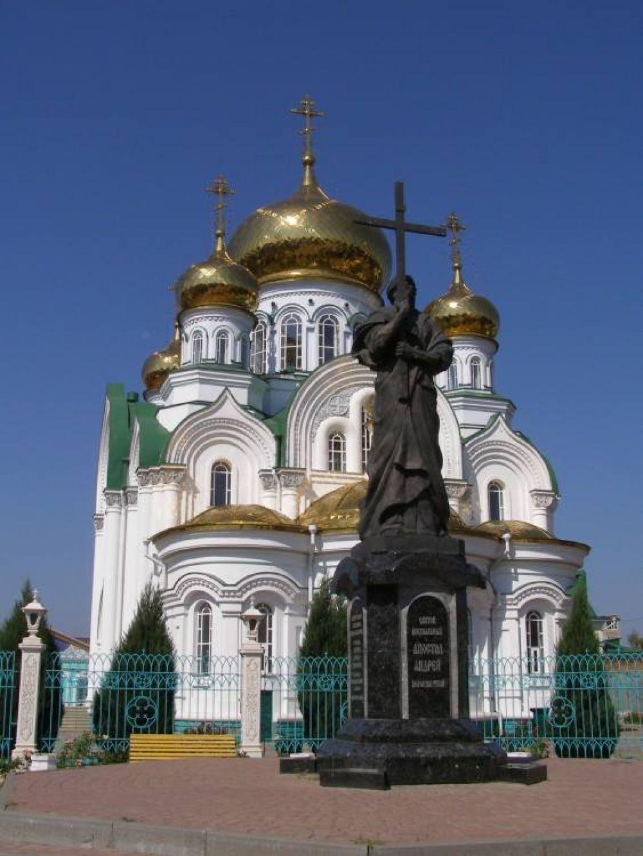 7. Храм Троицы Живоначальной в городе Батайске.