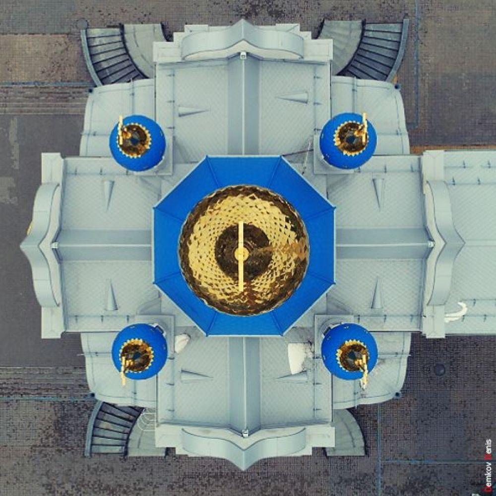 3. Вид на храм сверху.