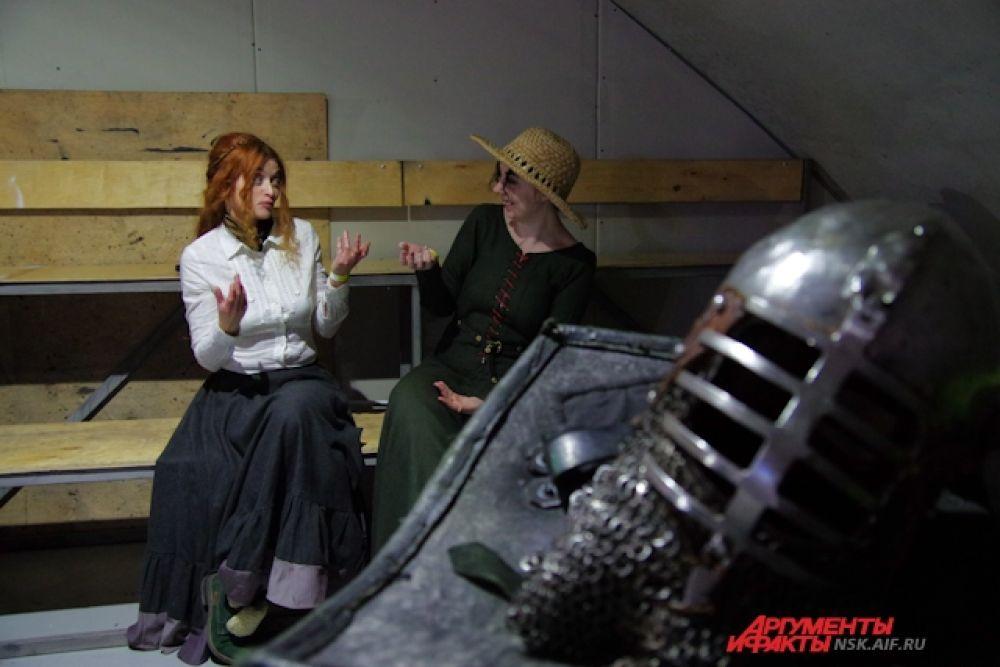 В «Подземке» функционировали средневековый тир, проводились интерактивы со зрителями.