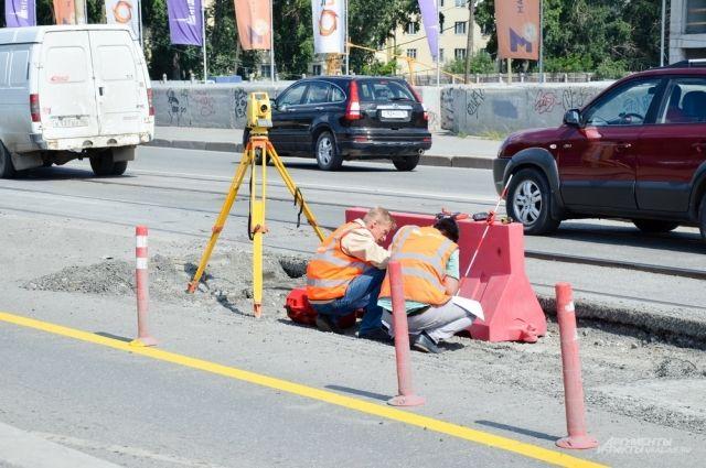 ВЕкатеринбурге частично закроют движение вдоль улицы Челюскинцев натри недели